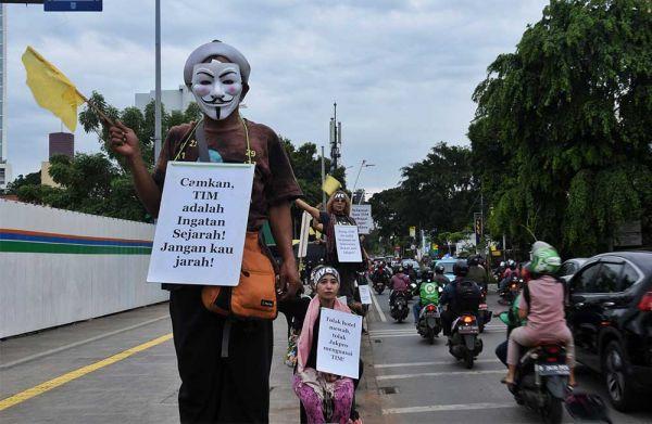 #saveTIM Forum Seniman Peduli TIM Lanjutkan Silent Movement Tolak Penghancuran Gedung Graha Bhakti Budaya