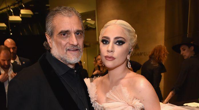 Ayah Lady Gaga Dikritik Setelah Minta Sumbangan Untuk Membayar Karyawan Restauran