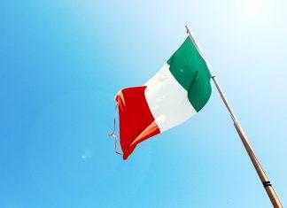 Viral, Video Warga Italia Bernyanyi Saat Lockdown Virus Korona