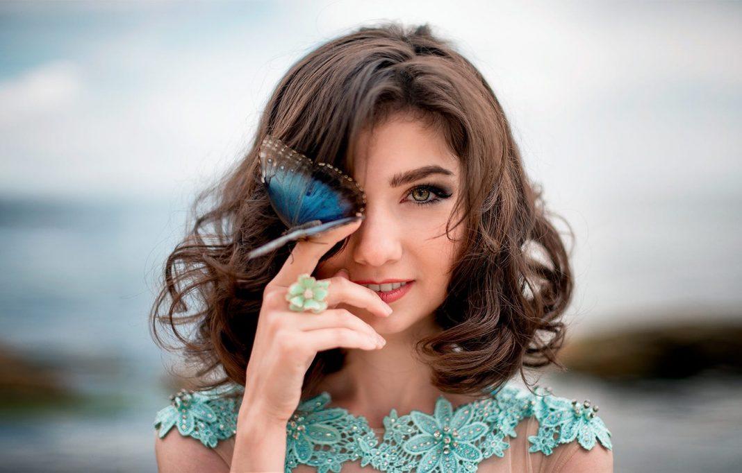 Airbrushed Sayap Kupu-kupu, Kreasi Unik Terbaru dari Instagram Para Makeup Artist