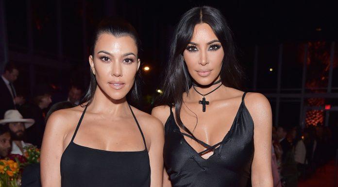 Kourtney Kardashian Beberkan Alasan Pertengkaran Berdarah Dengan Kim Kardashian