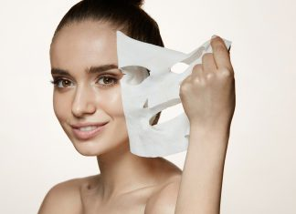 Pakai Sheet Mask Setiap Hari, Aman atau Tidak? Begini Menurut Para Ahli