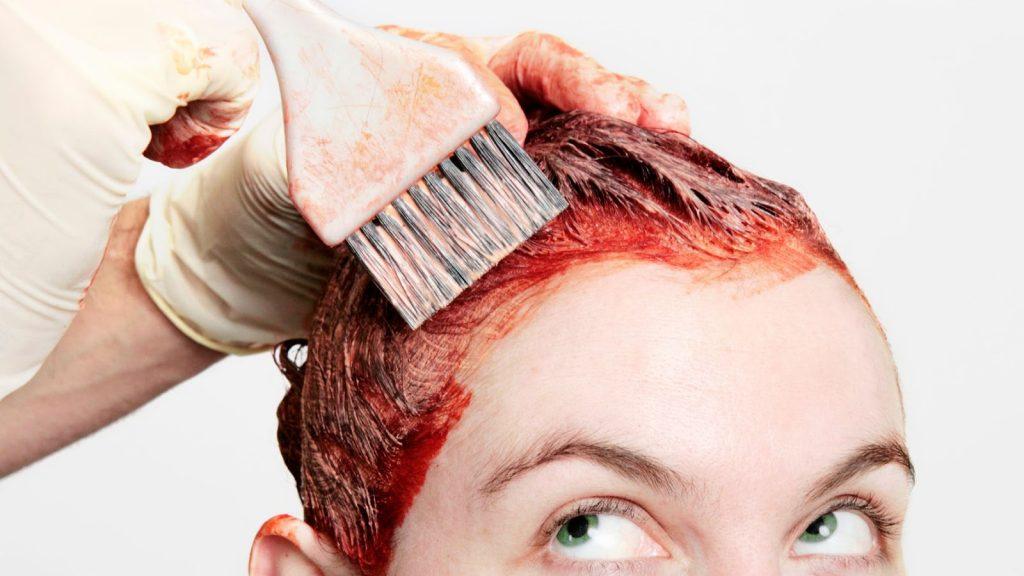 Cara-Cara Mudah Memperbaiki Berbagai Masalah Rambut yang Diwarnai