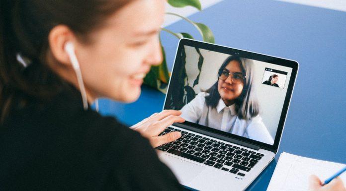 Etika Meeting via Zoom yang Perlu Kamu Tahu