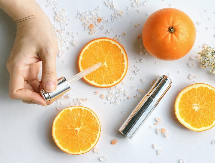 Tak Hanya Mencerahkan, Ini Fungsi Lain dari Vitamin C Pada Skincare