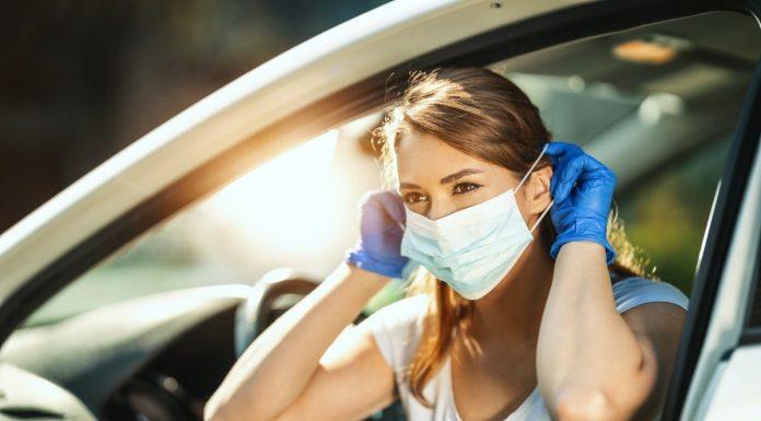 Perlukah Memakai Masker saat Menggunakan Mobil Pribadi?