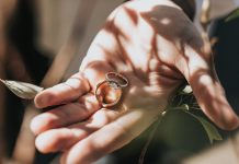 Manfaat Menggunakan Cincin Berlian Wanita Bagi Seorang Perempuan
