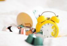 Cara Menghentikan Kebiasaan Snooze dan Bangun Lebih Pagi