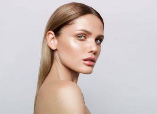 Tampil Licin dan Berkilau, Dolphin Skin Jadi Tren Makeup Unik 2020