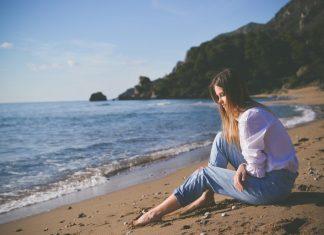 4 Cara Mengatasi Kesedihan Setelah Patah Hati