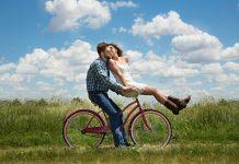 Hindari 5 Hal Ini Saat Jalani Kencan Pertama
