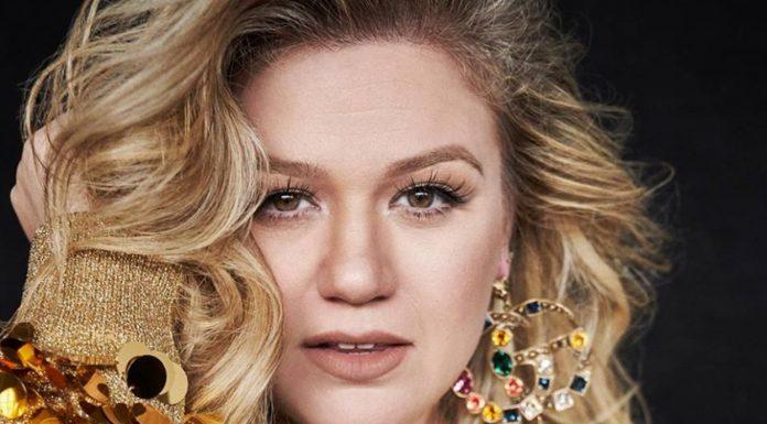 Natural Beauty, Rahasia Cantik ala Kelly Clarkson