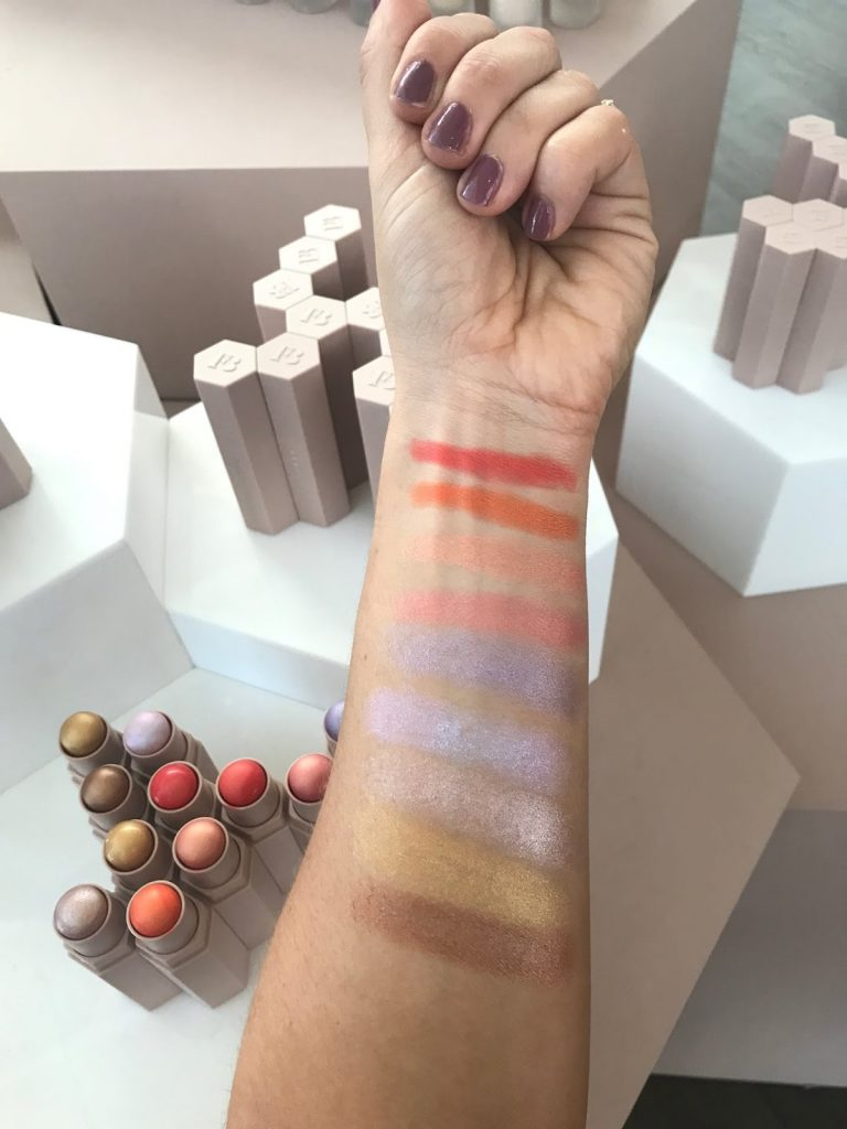 5 Rekomendasi Blush On dengan Hasil Rosy Glow, Terlihat Segar dan Cerah