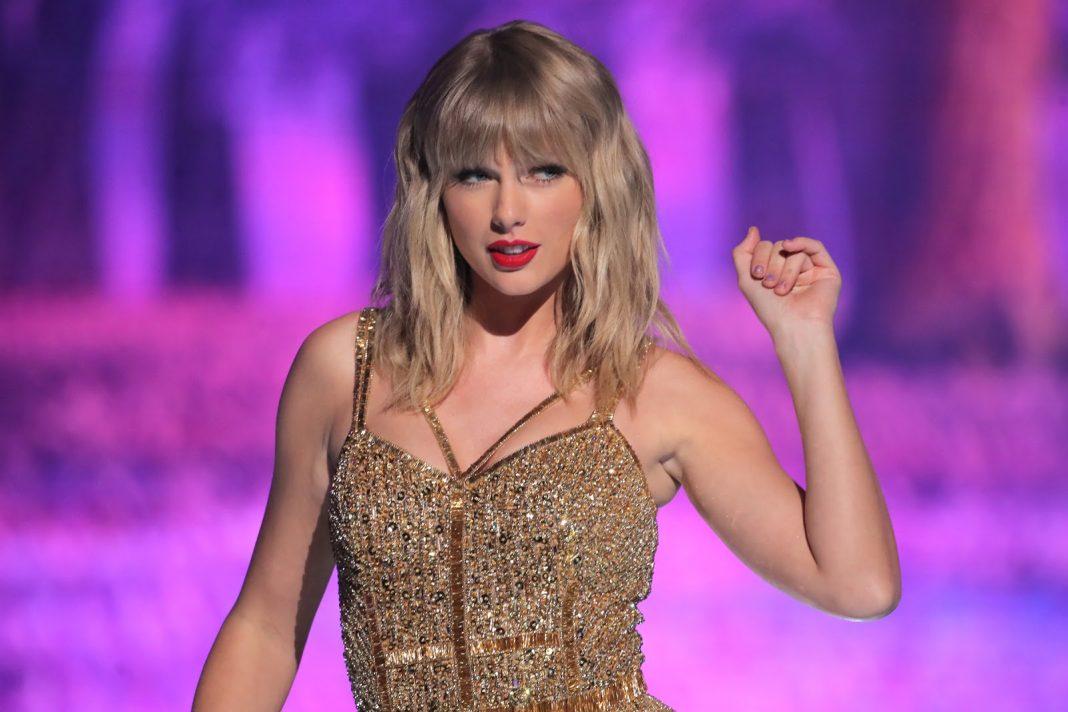 Taylor Swift Digugat oleh Taman Hiburan Karena Judul Album Barunya 'Evermore'