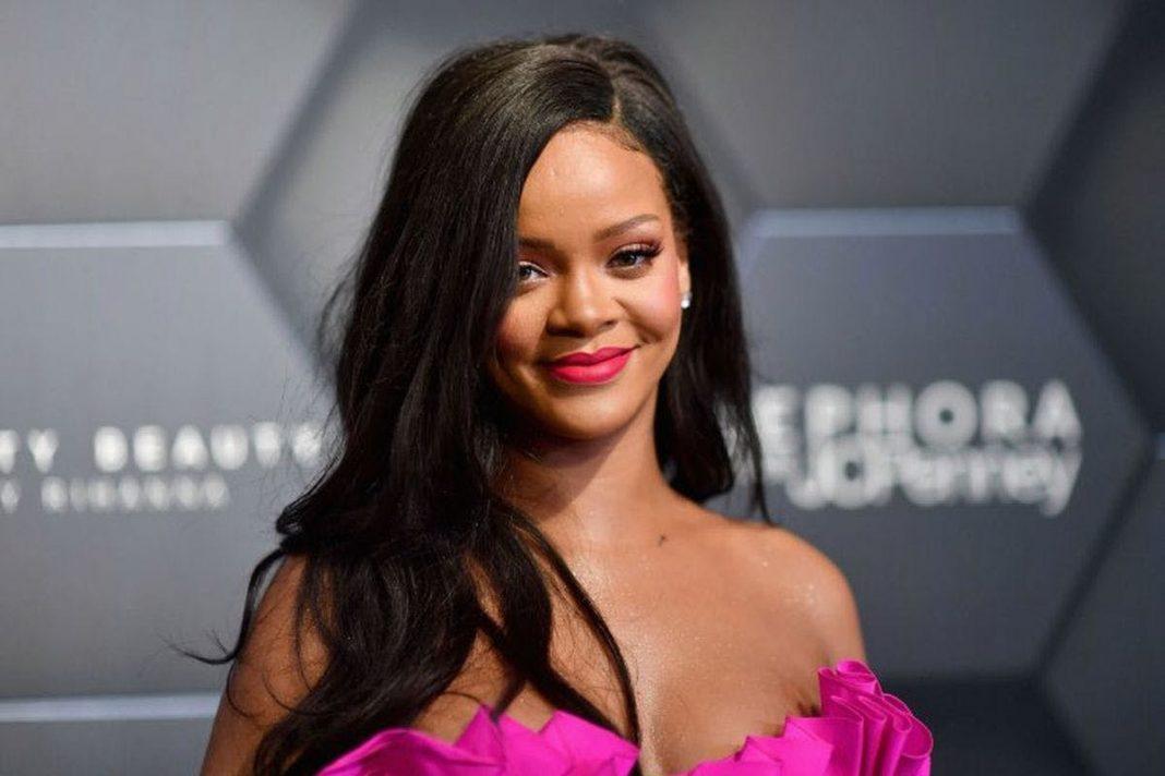Rihanna Dikabarkan Akan Segera Luncurkan Produk Perawatan Rambut, Fenty Hair