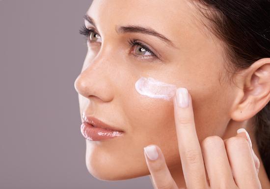 Hindari Kesalahan Ini Ketika Mengaplikasikan Skincare Berbahan Asam