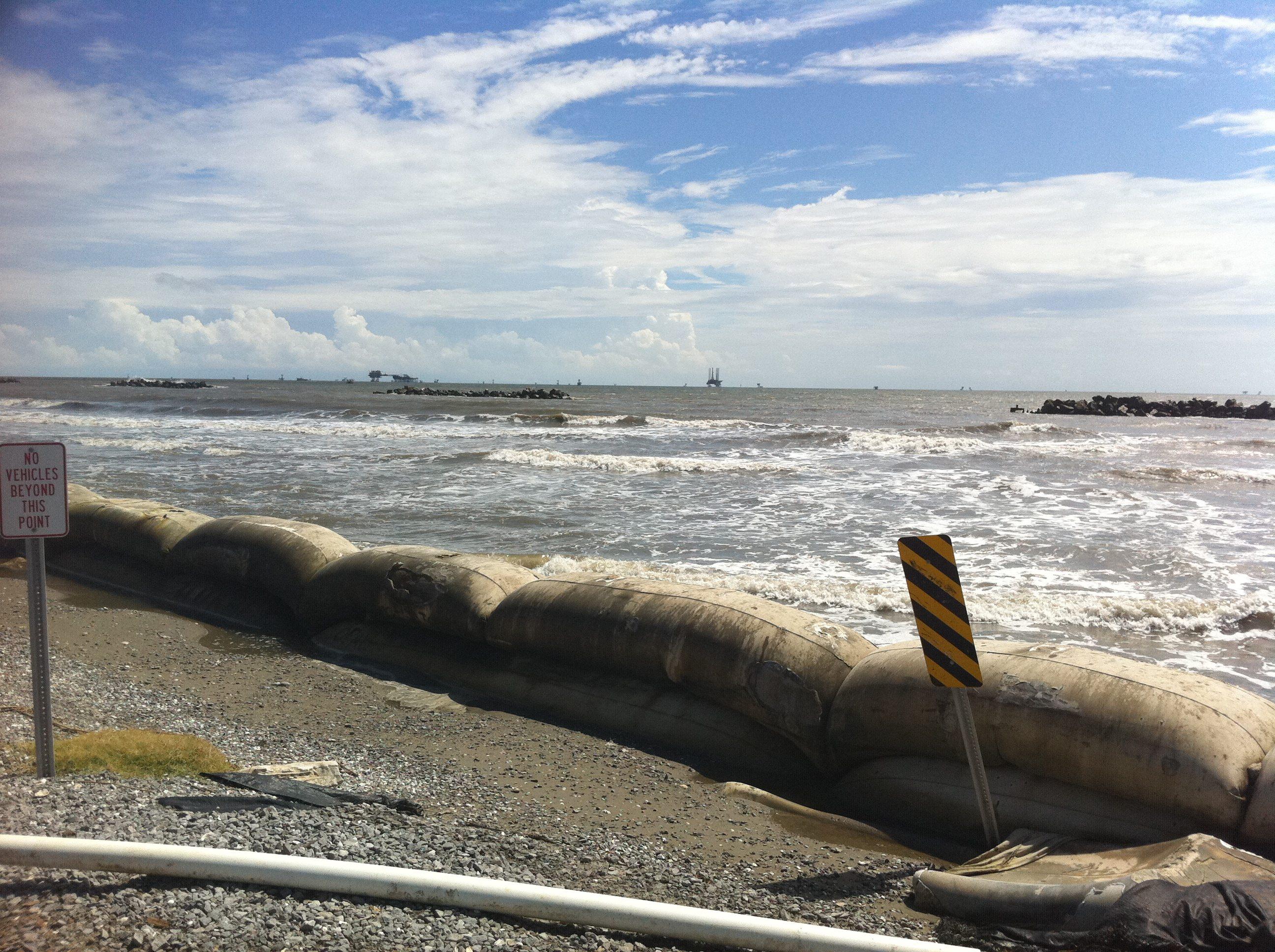 Daur Ulang Limbah Rambut Jadi Alat Pembersih Limbah Pabrik di Pantai