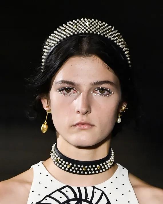 Pearl Eye Makeup, Tren Make Up Musim Panas Terbaru dari Dior