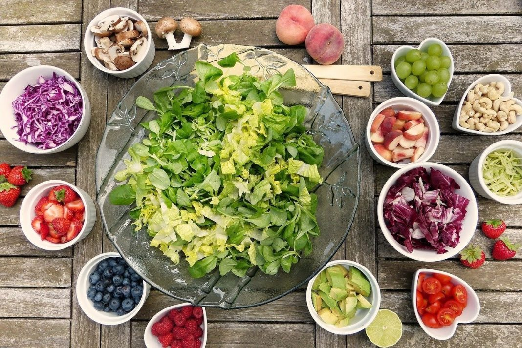 5 Jenis Makanan Efektif Kurangi Efek Samping Vaksin Corona