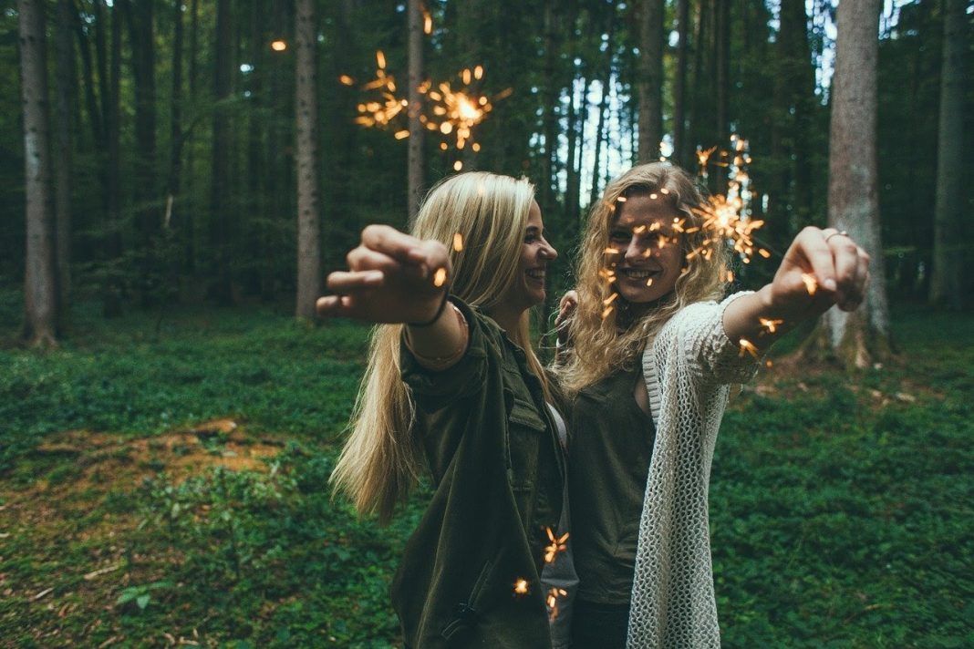 5 Pertanda Kamu Harus Memutus Tali Persahabatanmu
