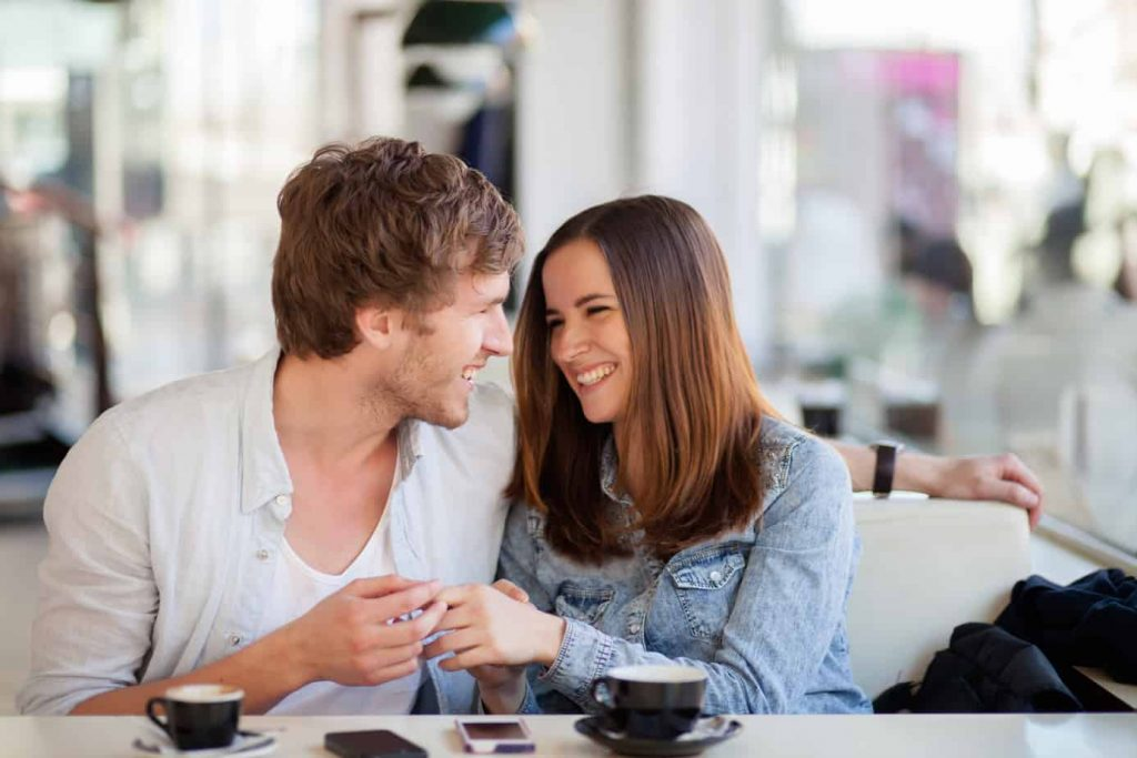 Begini Cara Orang dengan Kecemasan Ungkapkan Rasa Cinta Pada Pasangan