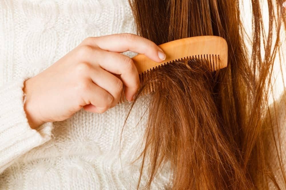 Jauhkan Beberapa Hal Ini dari Rambutmu, Ladies! (Bagian 1)