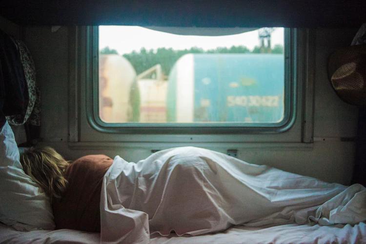 Efek Buka TikTok Sebelum Tidur Terhadap Mimpimu
