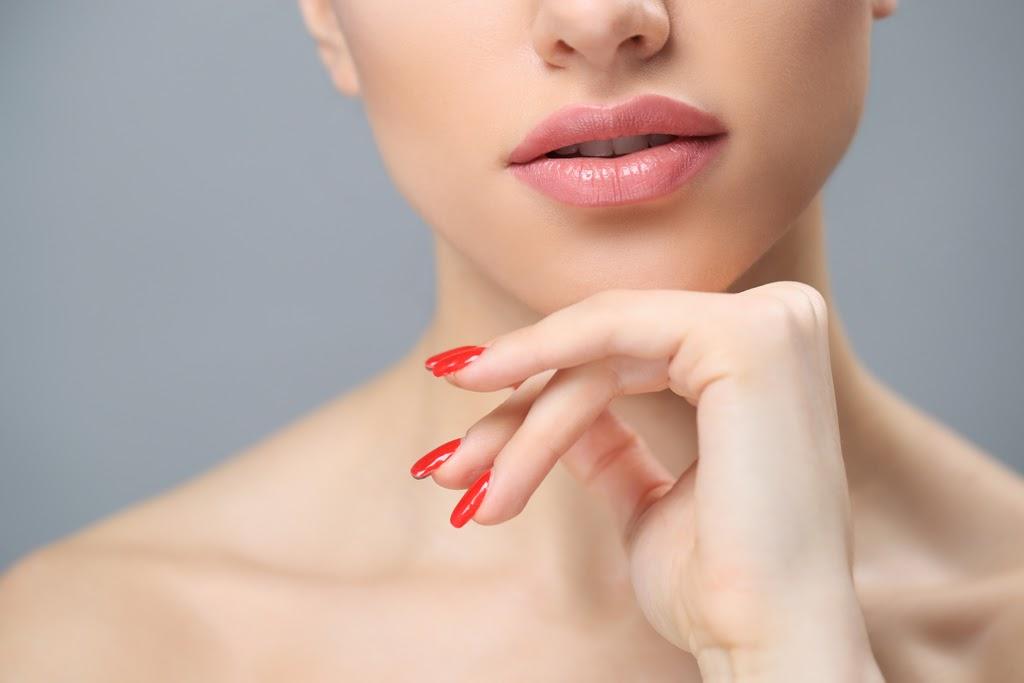 Tips Mendapatkan Bibir yang Lebih Ranum dengan Bahan Alami