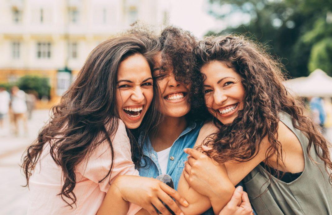 Insecure dalam Persahabatan, Bisa Jadi Ini Pertanda Imposter Syndrome