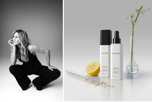 Terbaru, Jennifer Aniston Luncurkan Produk Glossing Detangler Multiguna dengan Brand LolaVie