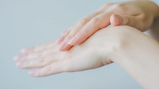 Retinoid Dapat Menghilangkan Jerawat di Badan, Begini Cara Kerjanya