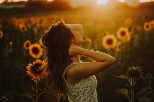 Psikodermatologi, 5 Contoh Hubungan Kondisi Mental dengan Keadaan Kulit